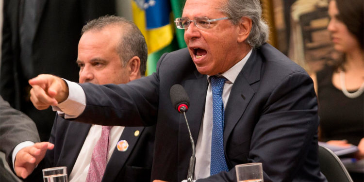 Paulo Guedes nervoso